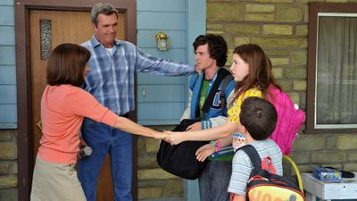 Season 03, Episode 01 Forced Family Fun (1)