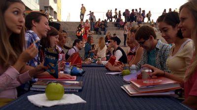 Season 04, Episode 01 The New Rachel