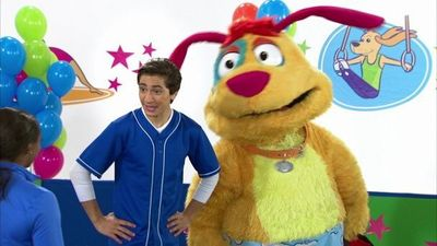 Season 07, Episode 01 Doggy Gymnastics!