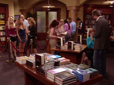 Season 02, Episode 03 When Holly Met Tina