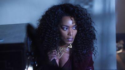 Season 05, Episode 06 Room 33