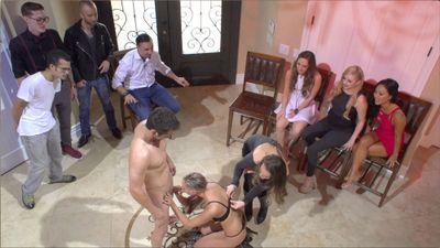 Season 01, Episode 01 Battle Of The Sexes