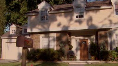 Season 02, Episode 08 Dream Lover