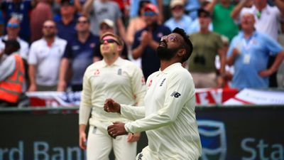 Season 02, Episode 04 Cricket: The Test