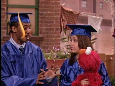 Season 37, Episode 02 Show and Tell Elmo