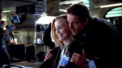Season 03, Episode 04 A Missing Link