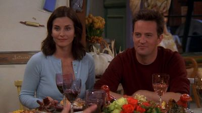 Season 10, Episode 08 The One with the Late Thanksgiving