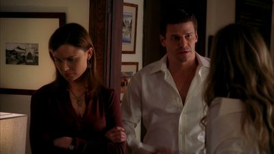 Season 01, Episode 02 The Man in the S.U.V