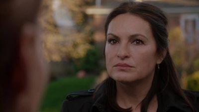 Season 17, Episode 22 Intersecting Lives (1)
