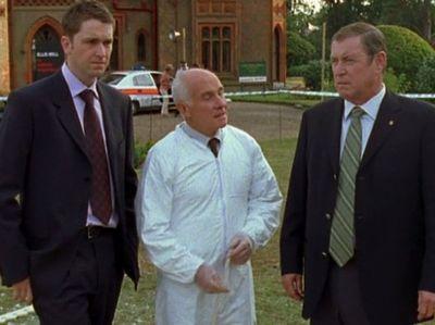 Season 06, Episode 04 A Tale of Two Hamlets