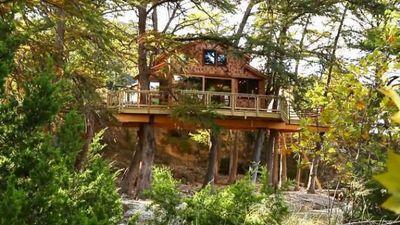 Season 06, Episode 02 Texas-Sized Treehouse