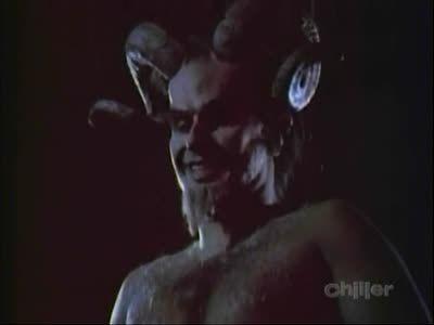 Season 03, Episode 18 Desirable Alien