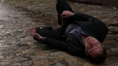 Season 01, Episode 07 Six Feet Deep