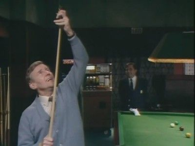Season 02, Episode 05 Snooker