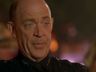 Season 04, Episode 01 Controlled Burn