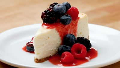 Season 04, Episode 04 How to Make the Creamiest Cheesecake