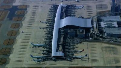 Season 01, Episode 04 Ultimate Airport