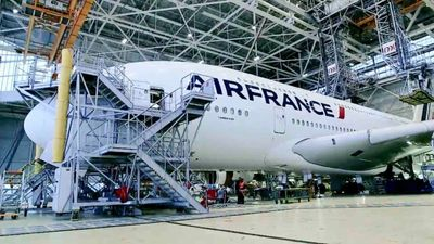 Season 01, Episode 06 World's Largest Plane