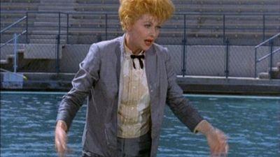 Season 04, Episode 01 Lucy at Marineland