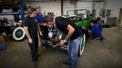 Season 10, Episode 07 Motorcycle Mayhem/Packing a Packard for Pebble, Part 1
