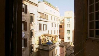 Season 16, Episode 04 Apartment Hunting in Central Rome