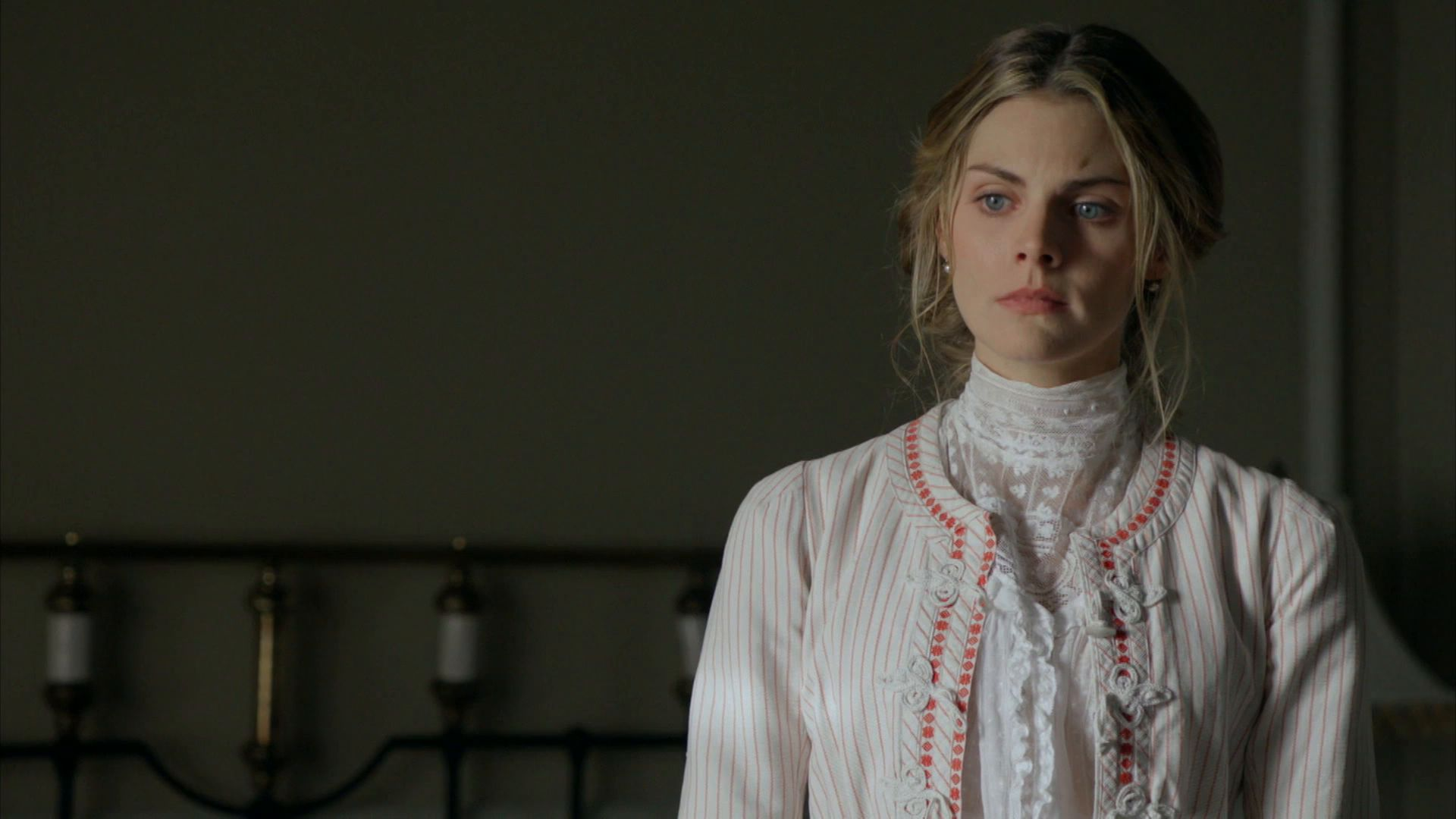 Amaia Salamanca Gran Hotel grand hotel - watch episodes on netflix or streaming online