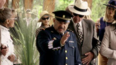 Watch SHOW TITLE Season 01 Episode 01 Joven matón
