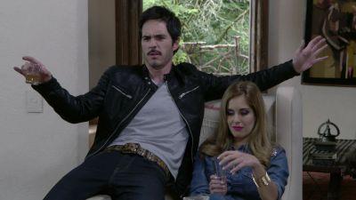 Watch SHOW TITLE Season 01 Episode 01 Narco en la TV