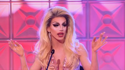Season 10, Episode 06 Drag Con Panel Extravaganza
