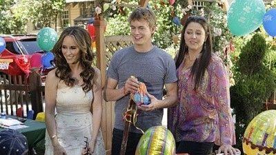 Season 05, Episode 01 Birthday Presence