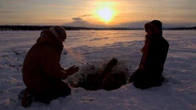 Season 02, Episode 01 Dead of Winter