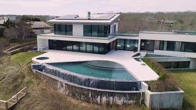 Season 03, Episode 06 $825,000 Vs. $14,900,000 Beach House