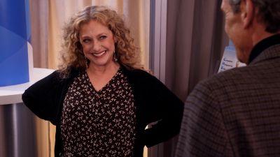 Season 04, Episode 04 Kimmy Disrupts the Paradigm!