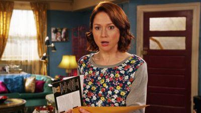 Season 03, Episode 01 Kimmy Gets Divorced?!