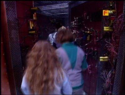 Season 01, Episode 05 Ian 'Jogger' Jones (20), Howard Fuller (25), Jane Barling (24), Nicola Willis (27), Clare McKennon (24), Vincent O'Sullivan (28)