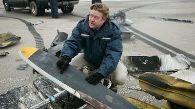 Season 15, Episode 01 Fatal Transmission (United Express Flight 5925)
