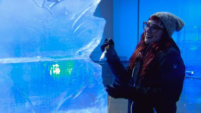 Season 09, Episode 01 Fire & Ice