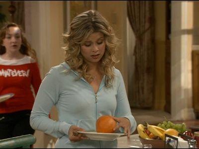 Season 03, Episode 01 She's Leaving Home, Bye Bye
