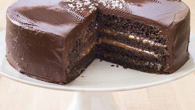 Season 16, Episode 07 Chocolate-Caramel Layer Cake