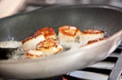Season 11, Episode 07 Seafood in a Skillet