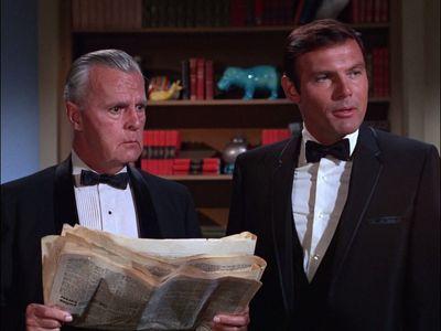 Season 03, Episode 01 Enter Batgirl, Exit Penguin